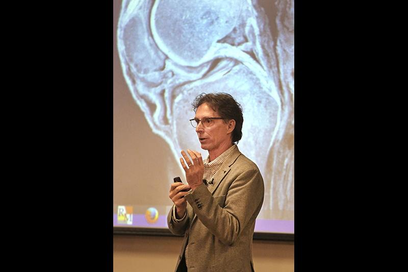 Dr. Donald Neumann, professor of Physical Therapy, gives a classroom lecture.