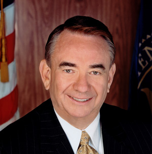 Photo of U.S. Secretary of Health and Human Services Tommy Thompson