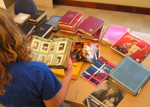 Photo showing the sorting of the new Hildegard acquisitions