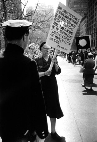 1959 photo of Dorothy Day picketing