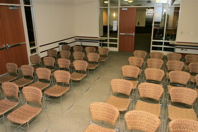 photo of medium auditorium size conference room setup